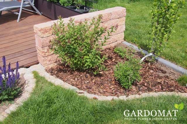 Kleiner Garten Mit Sitzmauer U0026 Pflanzfläche